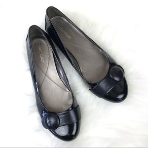 Naturalized patent leather flat